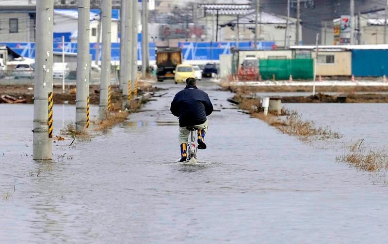 JapanEarthquake2011-240.jpg