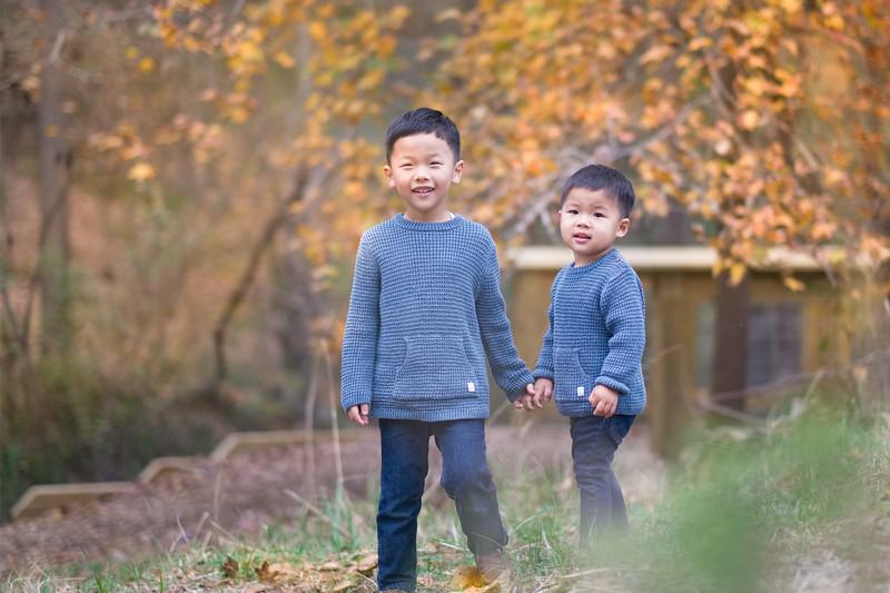 2019_11_29 Family Fall Photos-9497.jpg