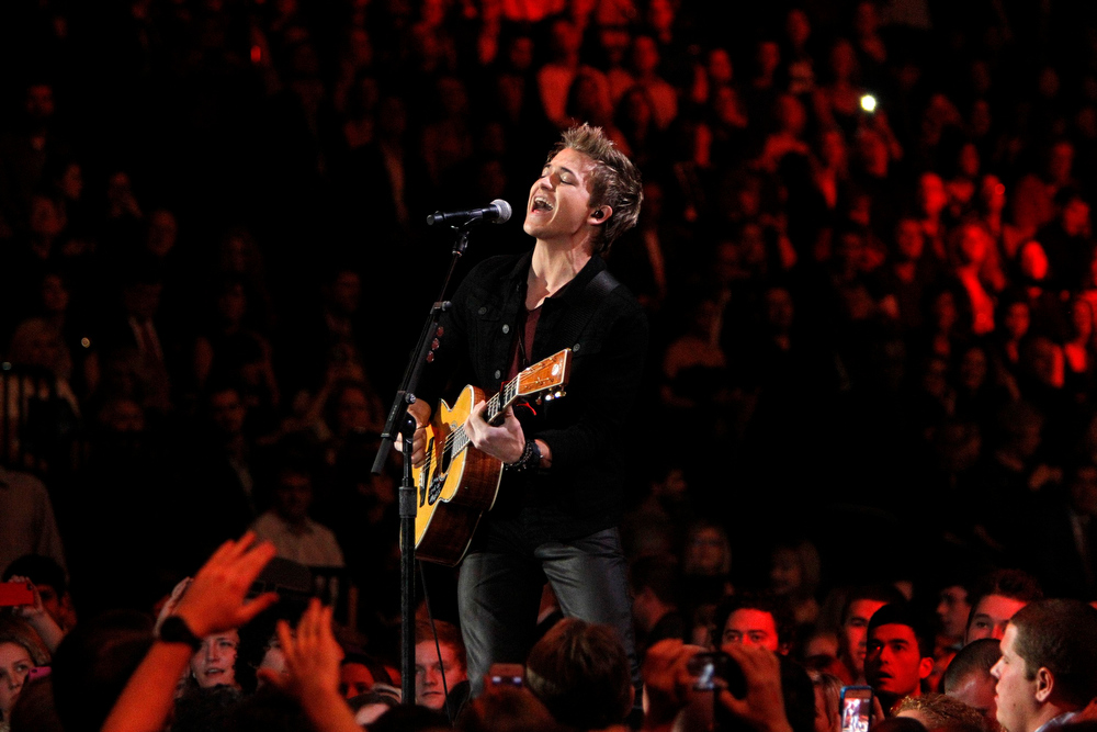 Description of . Hunter Hayes performs during the the Grammy Nominations Concert in Nashville, Tennessee December 5, 2012.     REUTERS/Harrison McClary