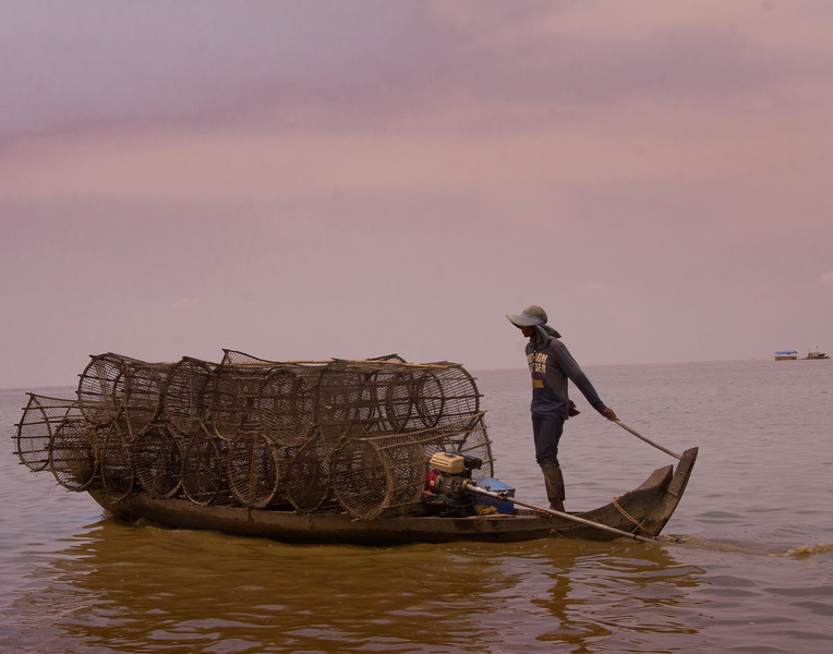 CambodiaBoatWithCircleNetsDSC_6326.jpg