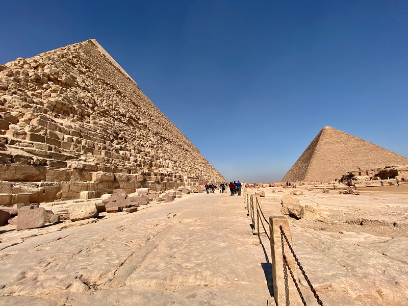 Pyramid of Khafre on left. Pyramid of Khufu on right