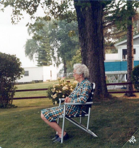 Nellie Mudge in front yard.jpeg