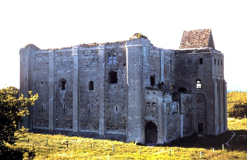 1959-5-24 (18) Castle ruins at Castle Rising, Norfolk.JPG