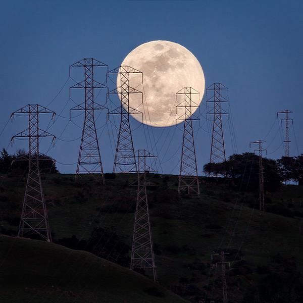 Electric Moon, Santa Rosa, California