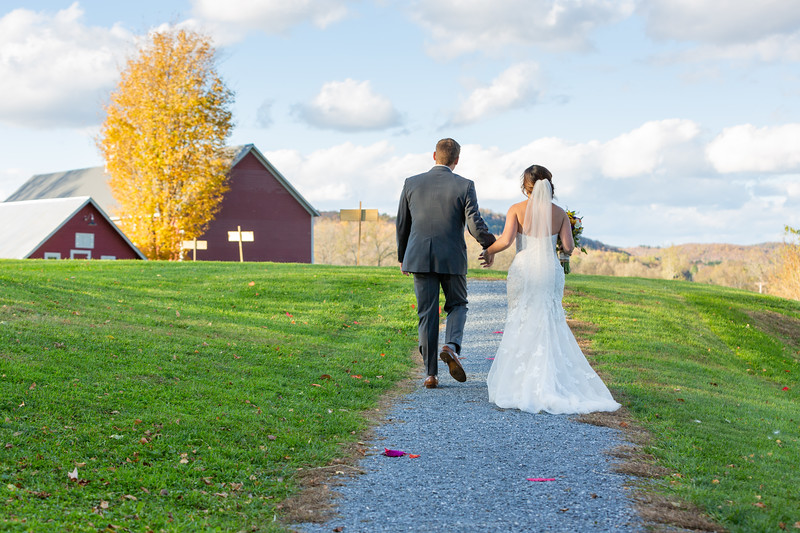 Mansfield Barn Wedding - Jericho, VT - Wedding Photography