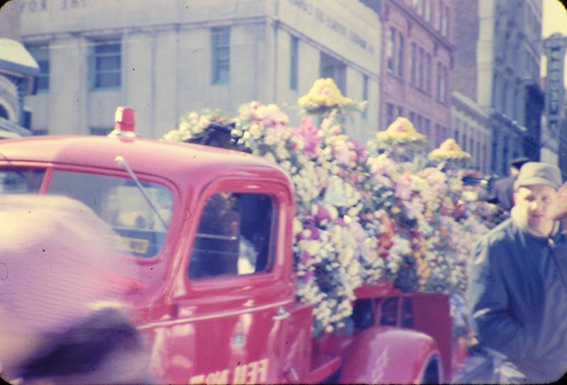 Img2008-09-07-184845 1961 3 pompiers mort au devoir.jpg