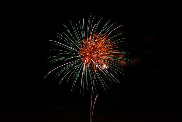 Around Reston 7-4-19 Fireworks (Herndon)