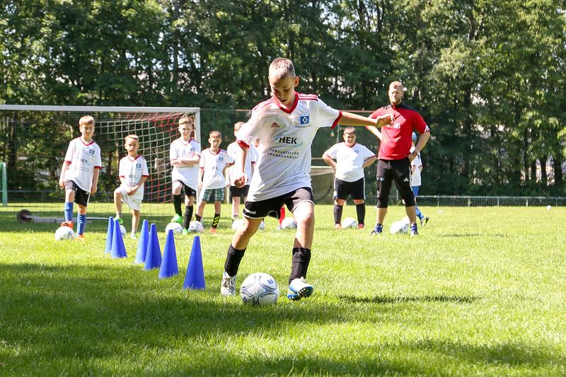 hsv_fussballschule-264_48048026342_o.jpg