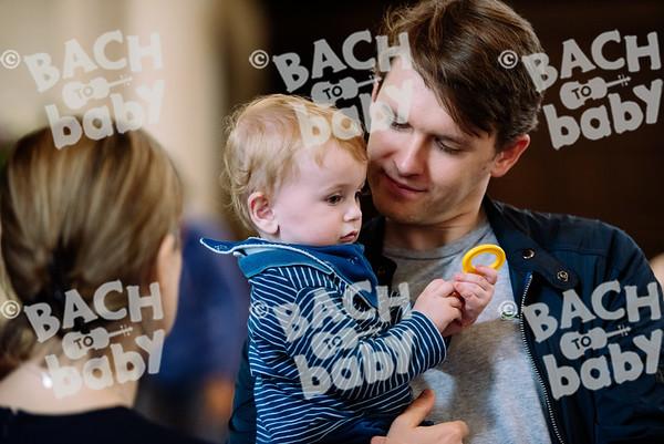 © Bach to Baby 2017_Alejandro Tamagno_RegetntsPark_2017-07-15 019.jpg
