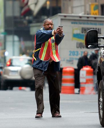 2008-04-27 - Denzel Washington films Pelham 123