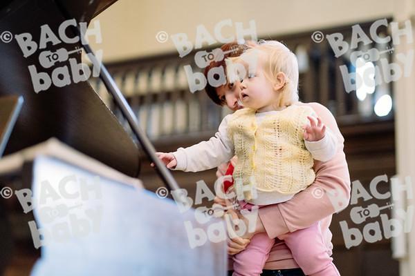 © Bach to Baby 2019_Alejandro Tamagno_Regent's Park_2019-12-21 017.jpg