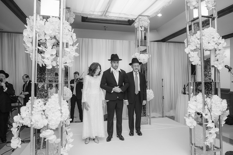 Miri_Chayim_Wedding_BW-524.jpg