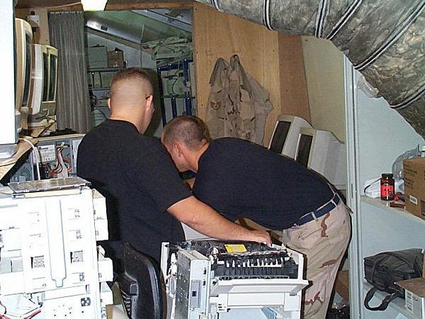 2000 10 04 - Back of Brad & Cal.jpg