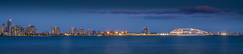 Port Melbourne - night shots ~ January