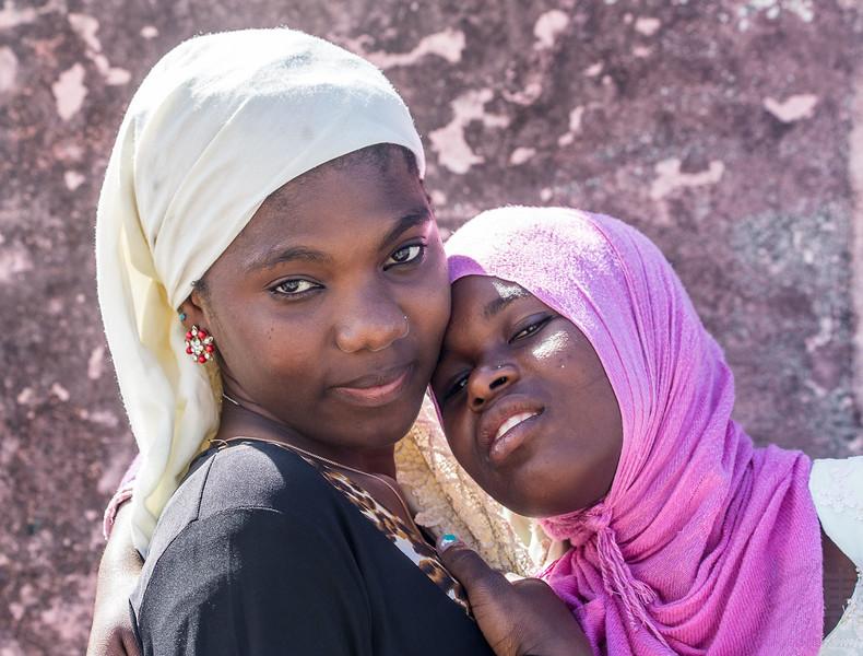 Girls at Ilha de Moçambique - Mozambique