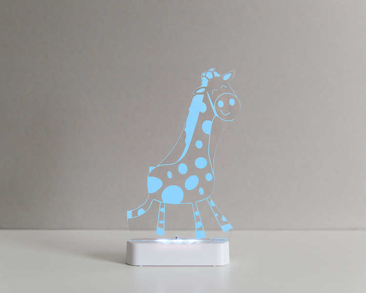 Aloka_Nightlight_Product_Shot_Giraffe_White_Bluesky.jpg
