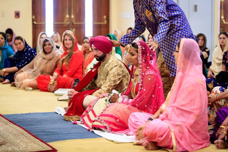 Neelam_and_Matt_Gurdwara_Wedding-1380.jpg