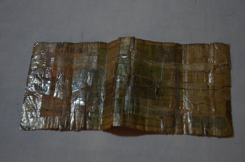 DSC_4149-200-kyat-note.JPG