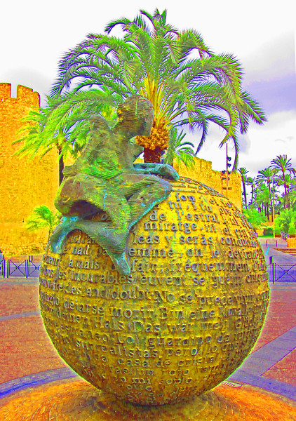Sculpture in Elche~1004-1.