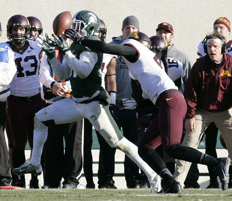 """. <p><b>14. Chicago: Darqueze Dennard, CB, Michigan State. </b> <p>O\'Hare and Midway airports, be on alert. The Bears draft a guy dubbed the \""""No-Fly Zone.\'\'   (AP Photo/Al Goldis)"""