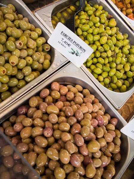 aix en provence market olives.jpg