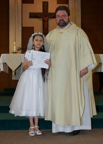 Communion Hispanic-9140-24 5x7.JPG