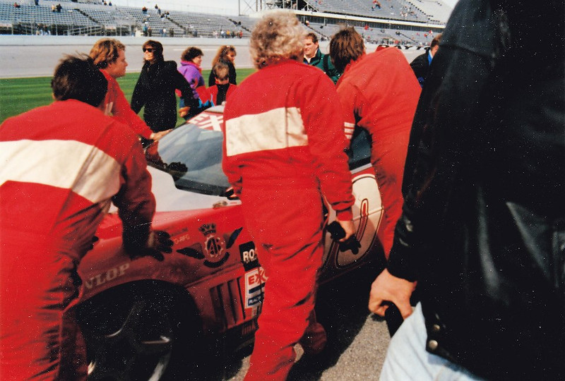 # 00 - 1975 - IMSA, Copelli on race day 06
