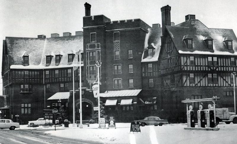 Urbana Lincoln Hotel
