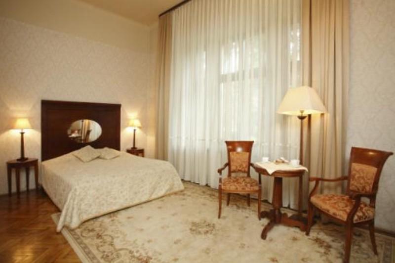 ostoya-palace-hotel-krakow2.jpg