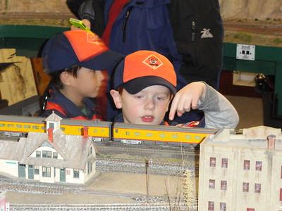 20131118 - Tiger Cubs Visit Railroad Modelers