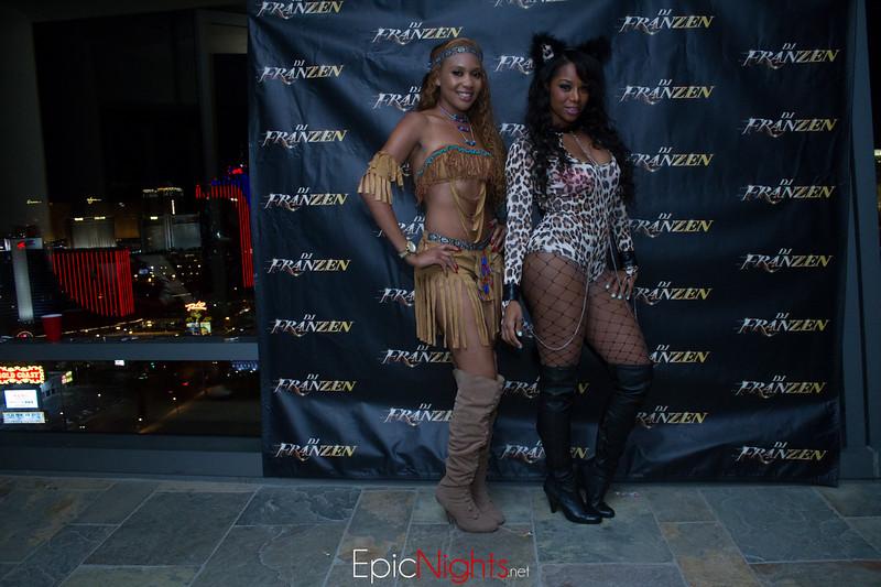 103013 Halloween Suite Party-6756.jpg