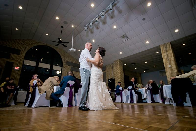 chateau-on-the-river-trenton-michigan-wedding-0386.jpg