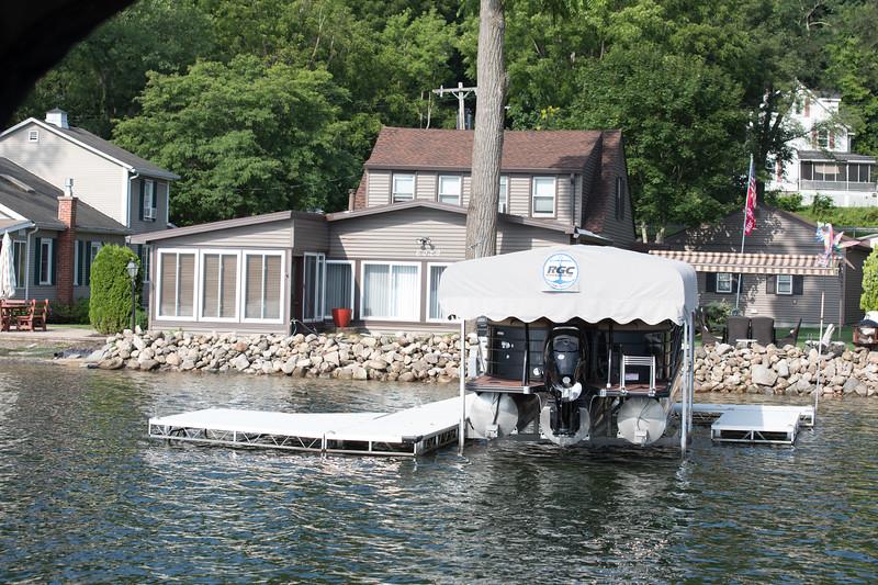 Boat1042.jpg