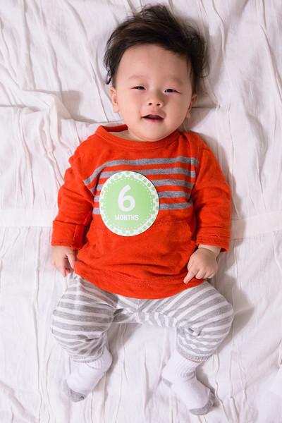 Seth 6 month-2243.jpg