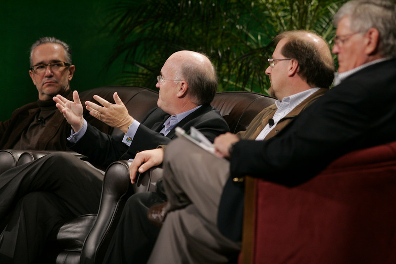 """Hotspots II"": (L-R) Ricardo Salinas, Grupo Salinas; Don Jones, QUALCOMM; Simon Hackett, Internode; and David Morris, EcoVerdance"