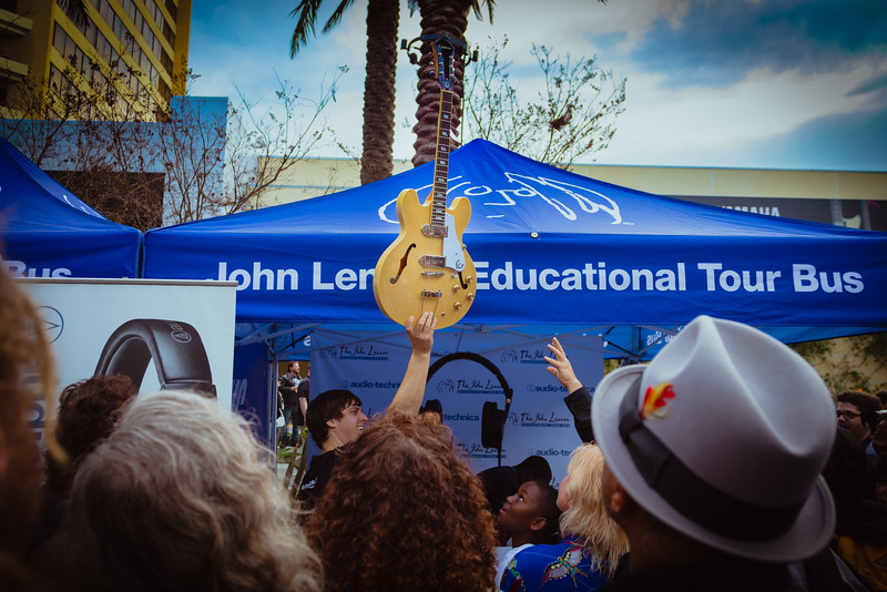 2016_01_22, Anaheim, CA, Convention, JLSC, JLSC Winner, NS16, The NAMM Show 2016, Giveaways, Crowd, Epiphone, lb.org