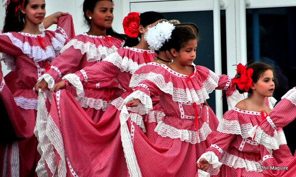 Colombian Dancers