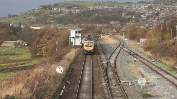 A number of clips from New Mills South Jct., including an almost perfect meet of FGW 185s.
