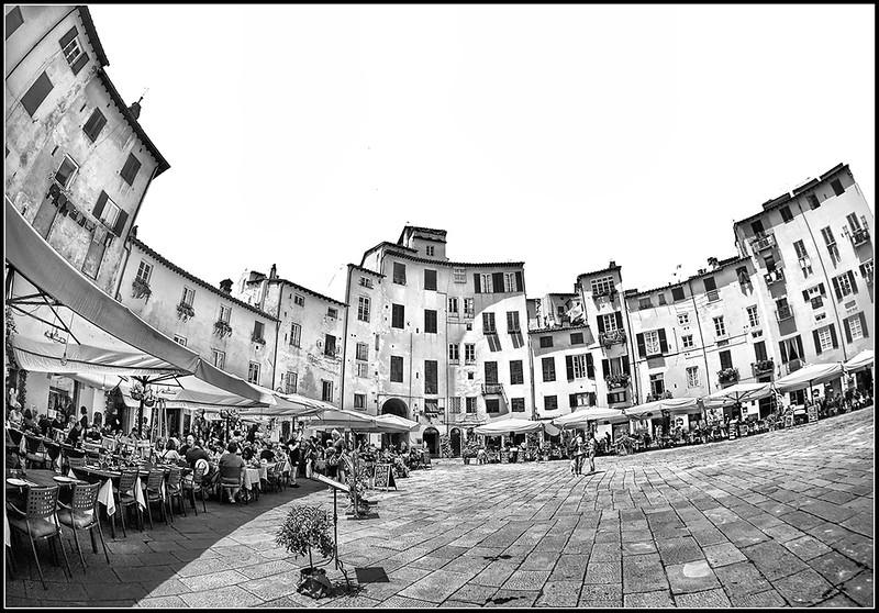 2018-06-Lucca-0105bn.jpg