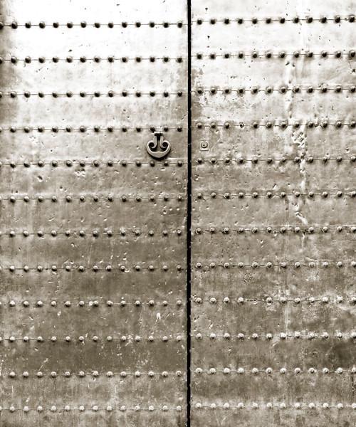 05-03 644B Door in Spain scanned B&W.jpg