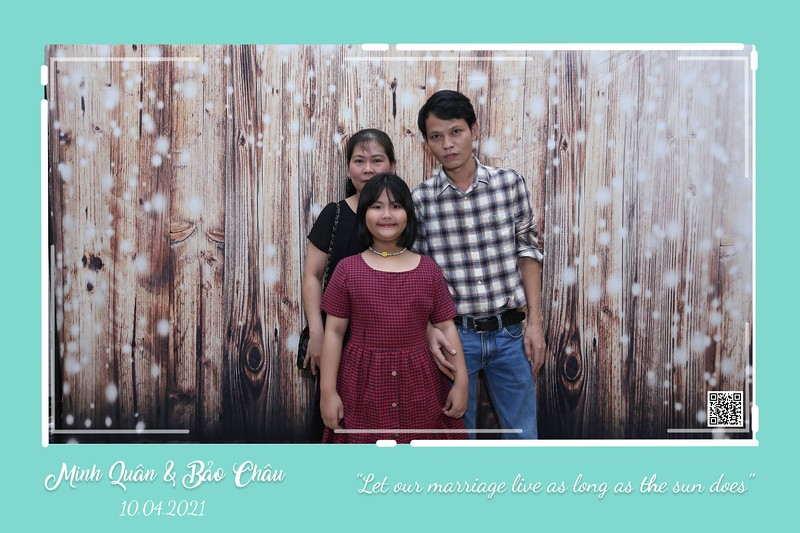 QC-wedding-instant-print-photobooth-Chup-hinh-lay-lien-in-anh-lay-ngay-Tiec-cuoi-WefieBox-Photobooth-Vietnam-cho-thue-photo-booth-037.jpg