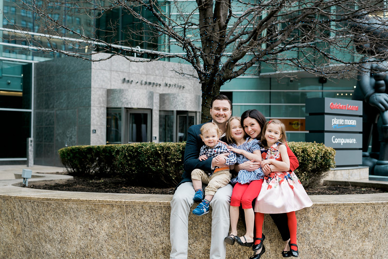 downtown-detroit-family-session-intrigue-photography-30.jpg