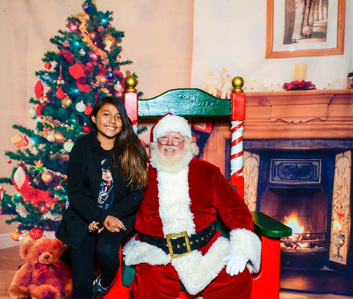 Santa Elmore 2016-12208.jpg