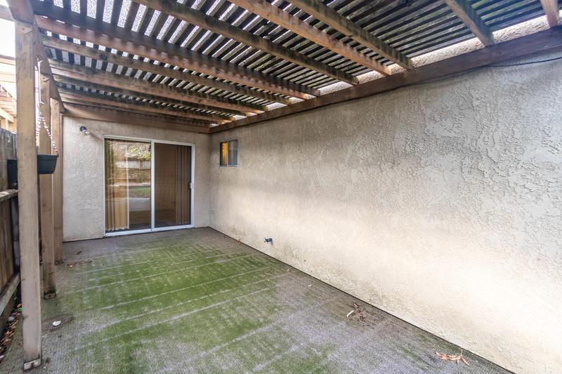 1728 Westfield 22 Backyard.jpg