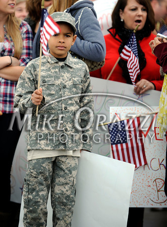 Troops Return Bradley Airport 2010