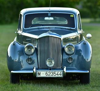 Bentley MK VI Standard Steel Saloon M623544