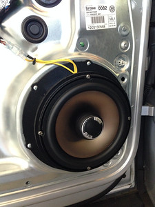 2012 Volkswagen Tiguan Front Door Speaker Installation - USA