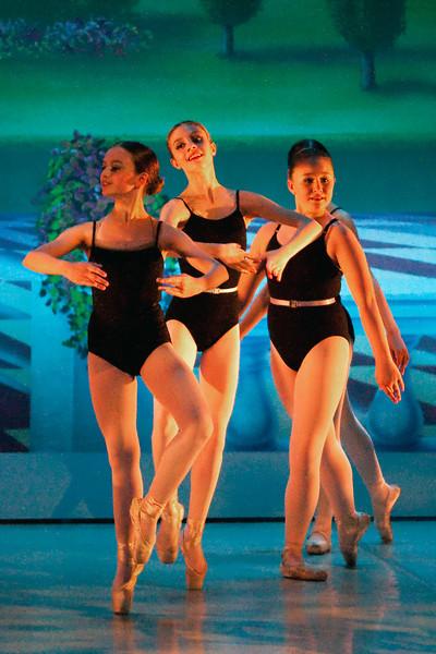livie_dance_051714_01.jpg