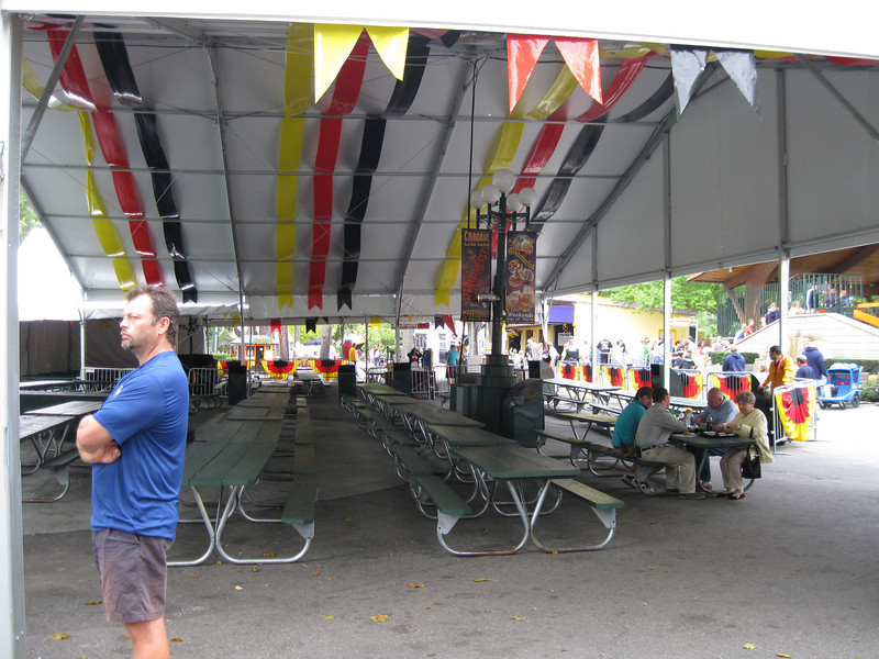 Guests can eat while watching the Midway Stage show.