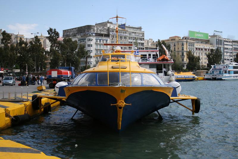 2008 - Hydrofoil FLYING DOLPHIN ZEUS moored in Piraeus.